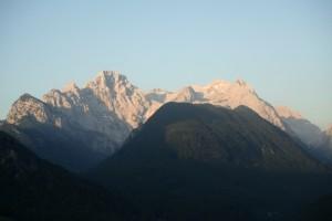 Črna gora pred večjim bratom Triglavom in večjo sestro Rjavino